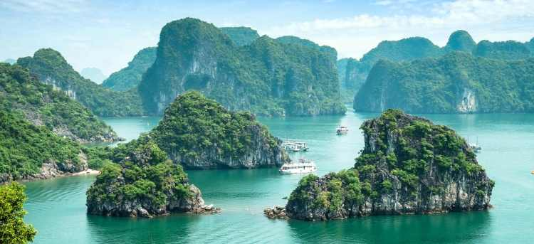 Ha Long Bay Vietnam with Water to Go logo