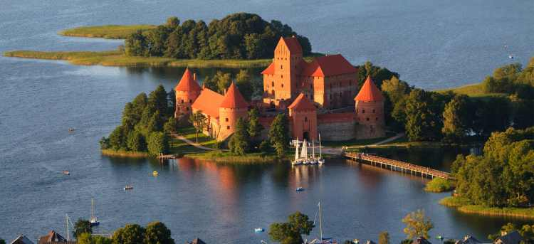 fairytale | island castle | Trakai | Lithuania | Riviera Travel | escorted tour