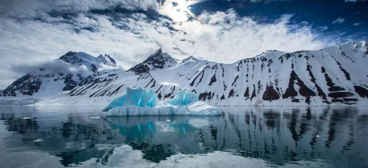 iceberg | Riviera Travel | Expedition Cruise
