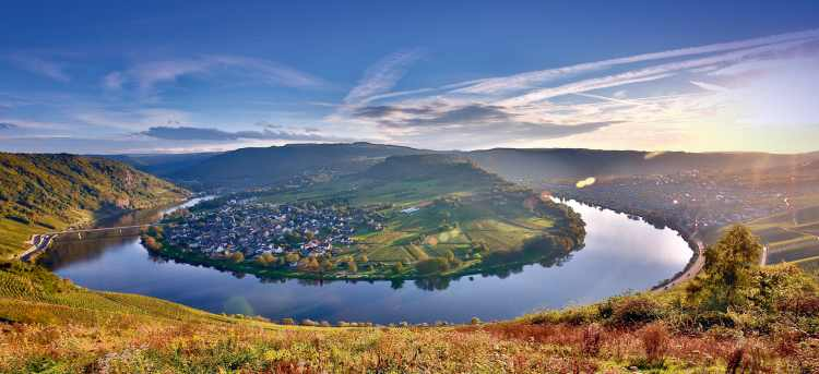 Moselle Bend | Bremm | Germany | Moselle River Cruises