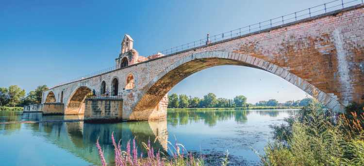 Pont Saint-Bénézet | Pont d'Avignon | Avignon bridge | UNESCO world heritage site | Holidays to France