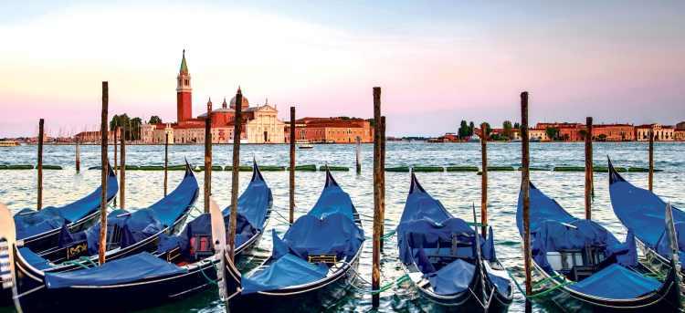 Venice gondolas | canals | Italy | Holidays to Italy