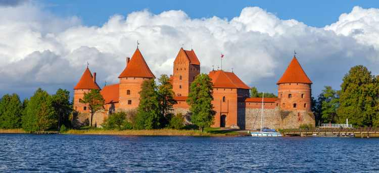 Trakai | island castle | Tours to Lithuania
