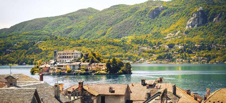 Panorama of Lake Maggiore with three Borromean islands in front of the Alps | Stresa, Italy | Walk and Discover