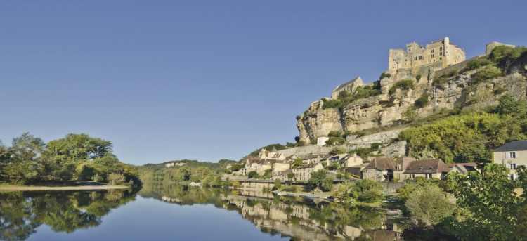 Beynac Castle | Dordogne | France | Riviera Travel | escorted tour