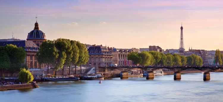 Cruise boats on the Seine | Eiffel Tower | Paris | France | Riviera Travel | escorted tour | solo traveller