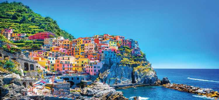 Cinque Terre | colourful houses on cliff side | Italy | Riviera travel | escorted tour