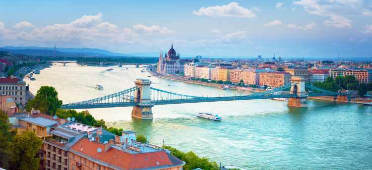 Budapest | Chain Bridge | Hungary | Riviera Travel | River Cruises