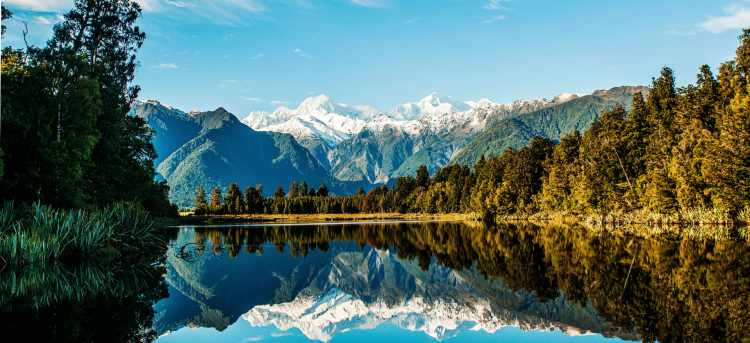 Lake Matheson | New Zealand | Riviera Travel | escorted tour | walk | discover