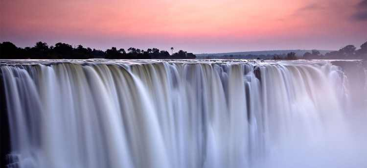 Victoria Falls | Zambia | Zimbabwe | Africa | escorted tour | Riviera Travel