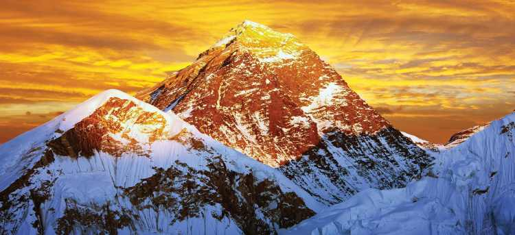 Mount Everest | Himalayas | India  | Riviera Travel | escorted tour