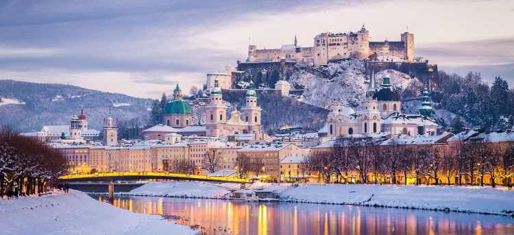 Salzburg in the snow | Christmas river cruise | Winter holiday | Riviera Travel