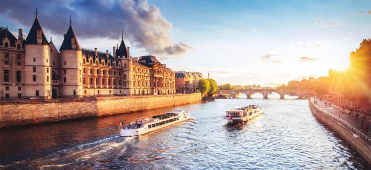 Seine river | France | Riviera Travel | river cruise | solo traveller