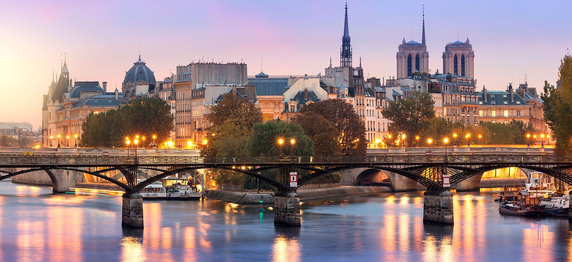 Pont de Sully bridge on the Seine river in the evening