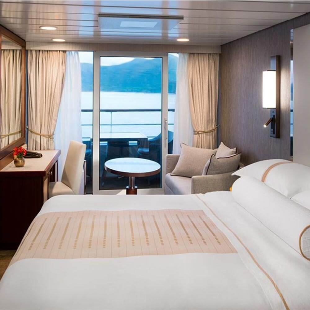 Category V3, Double Club Balcony Stateroom