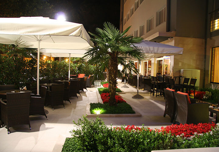 Hotel Plaza Omis nearby beach
