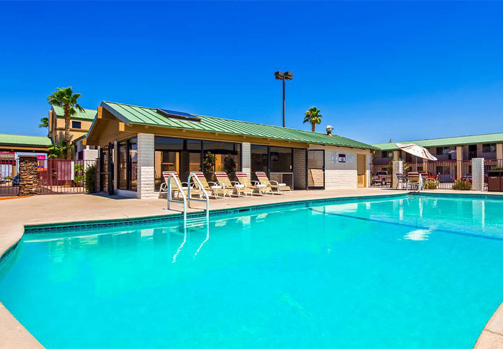 Best Western Plus Kings Inn Kingman outdoor pool