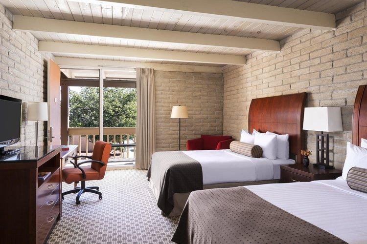 Monument Valley Inn Kayenta twin room