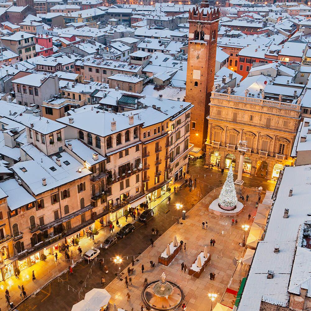 Piazza delle Erbi in the snow