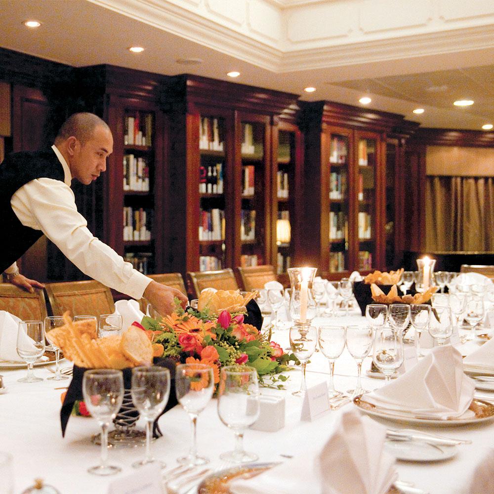 Restaurant on board Azamara Pursuit