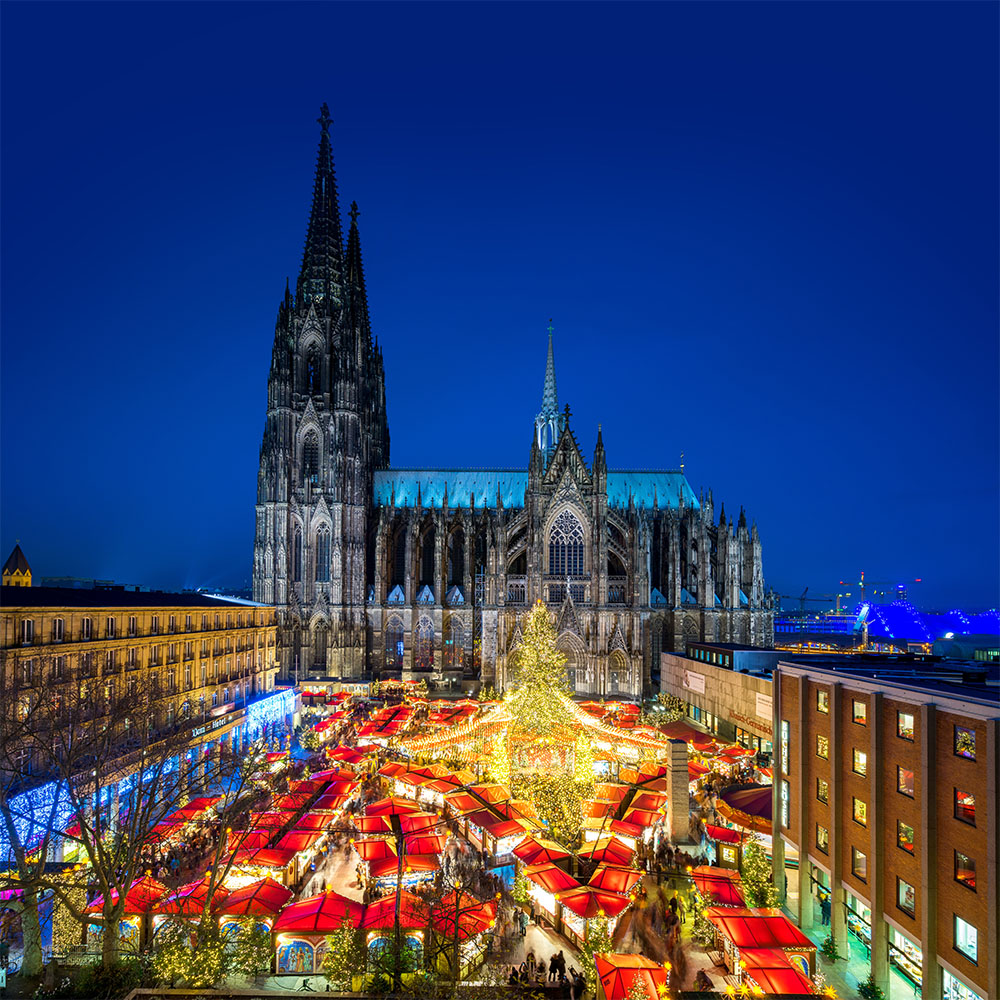 Cologne market and cathedral at night