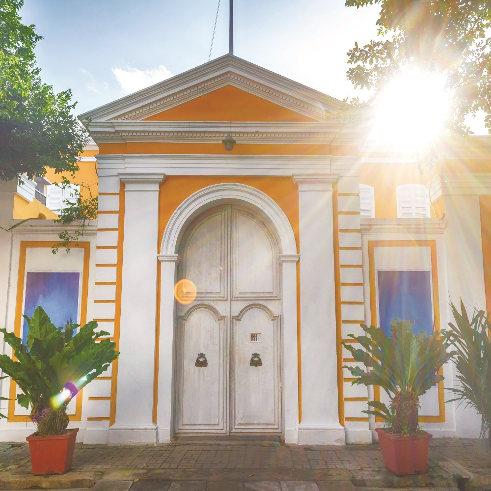 Colourful French colonial house in Pondy